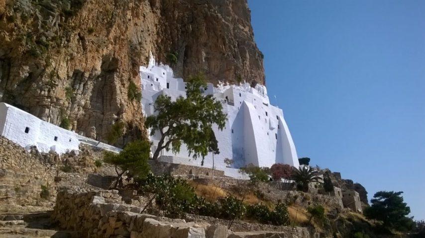 Le piccole Cicladi - il monastero di Armogos