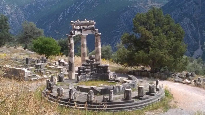 Delfi e il tempio di Atena