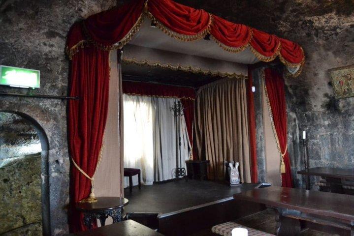 Teatro interno alla sala dei banchetti