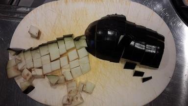 melanzane a funghetto tagliate