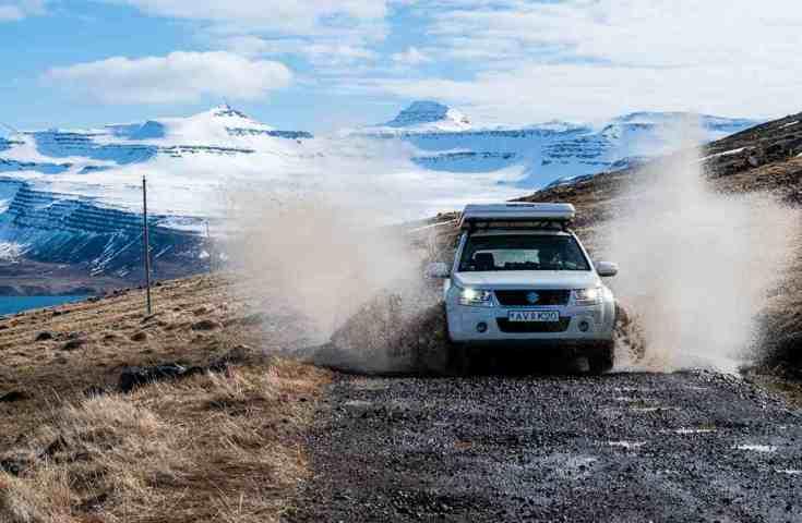 Affittare automobile in Islanda