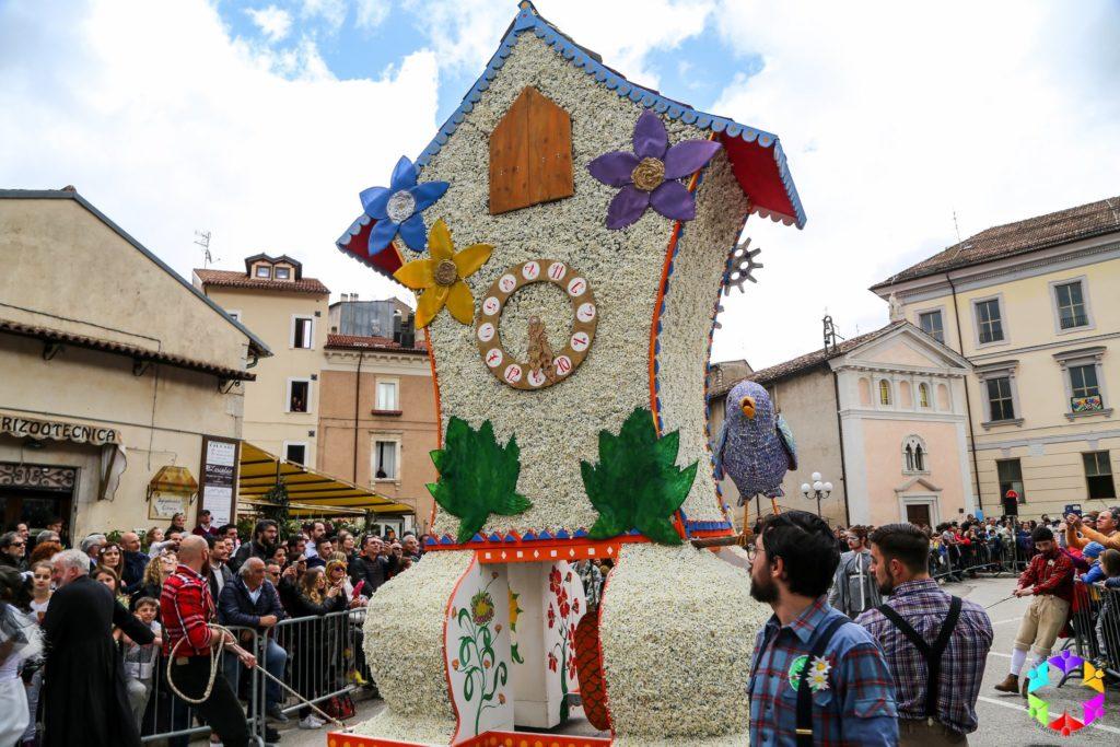 Festa del Narciso - Rocca di Mezzo (AQ) - l'orologio