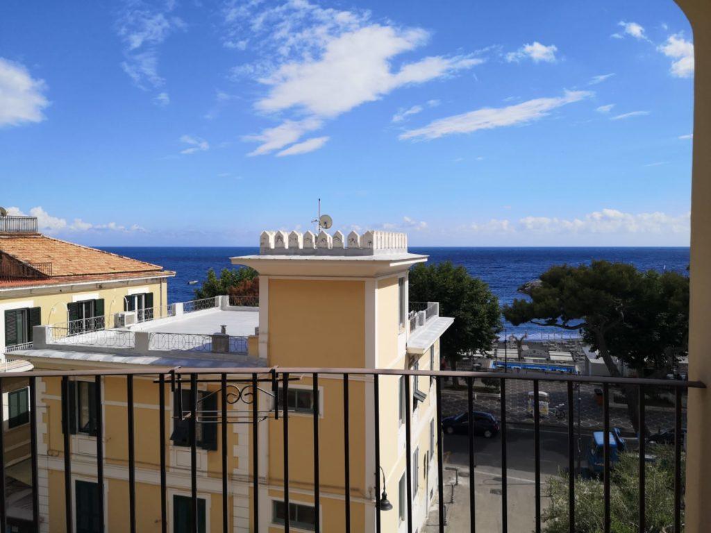Maiori - dove alloggiare terrazza Hotel S. Francesco